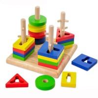 Играчка за нанизване с геометрични форми