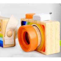 Дървен цветен фотоапарат с калейдоскоп