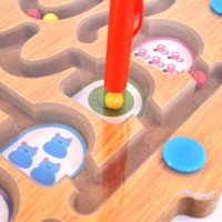 Лабиринт с топчета и магнитни писалки за графомоторика
