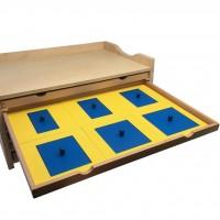 Монтесори геометриен шкаф