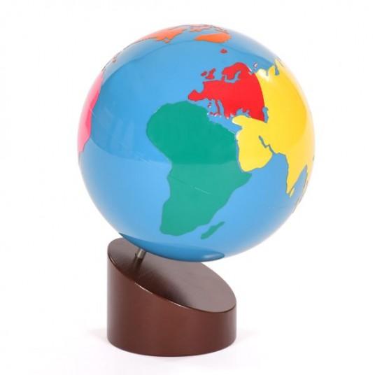 Цветен релефен глобус на света