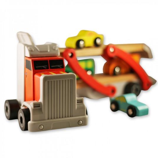 Камион – автовоз с дървени колички