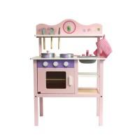 Розова дървена кухня