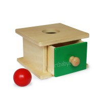 Дървена кутия с чекмедже и дървено топче