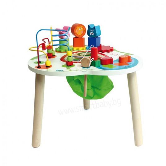 Многофункционална дървена маса за игра.